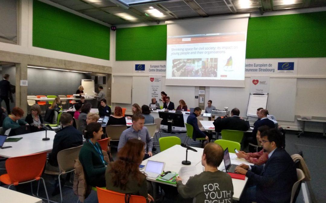 Sužavanje prostora za civilno društvo – kako ono utiče na organizacije mladih i za mlade?